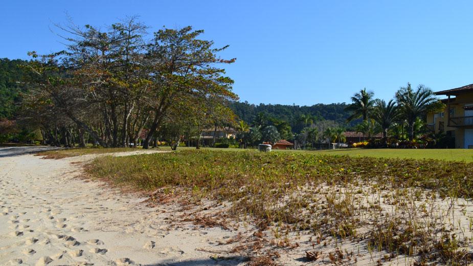 praia-laranjeiras-490