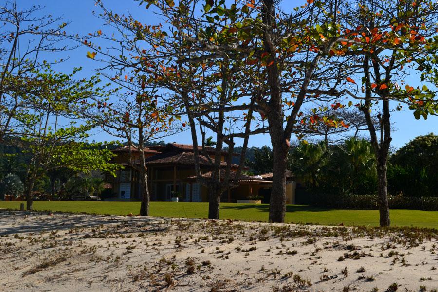 praia-laranjeiras-500
