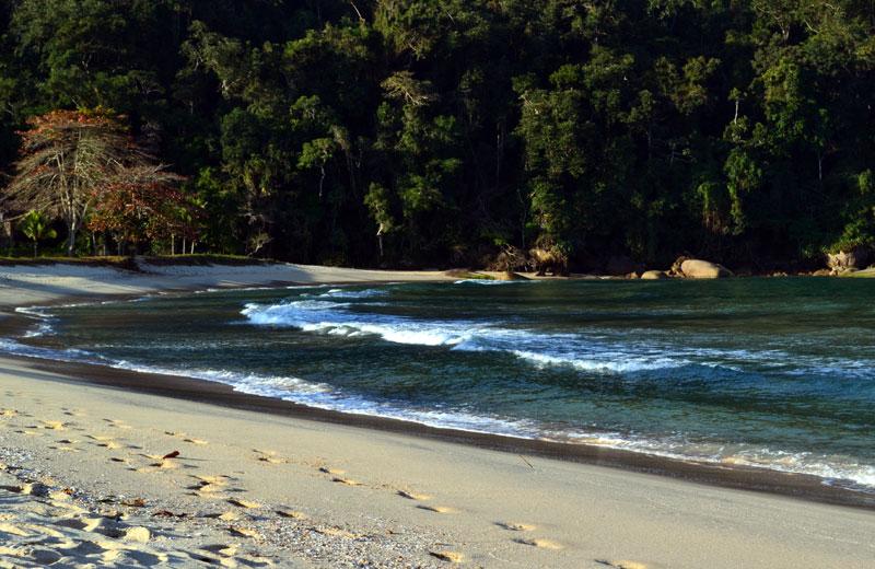 praia-laranjeiras-680