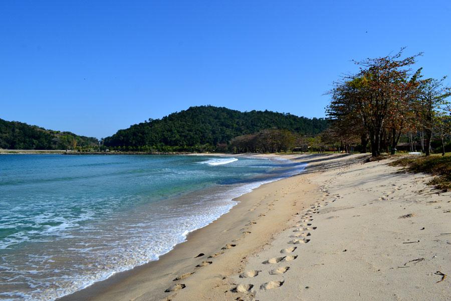praia-laranjeiras-710