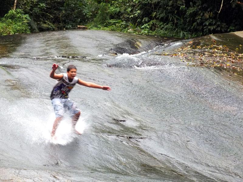 surf-na-pedra-paraty-130