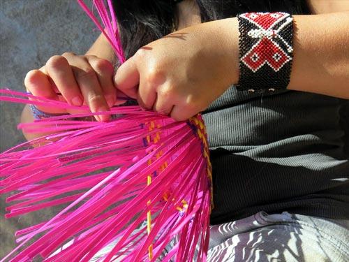 Cestaria na aldeia com os indios Guarani - Foto: Marta Viana
