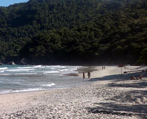 Praia de Cachadaço – Foto: Ernesto Lopes / ©POL – www.paratyonline.com
