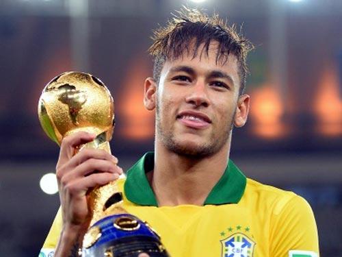 Neymar Jr. levanta a Copa das Confederações