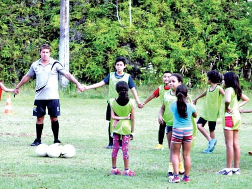 escolinha-futebol-cairu1