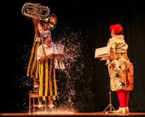 Espetáculo Allegro Vivace com Tortell Poltrona, Montse Trias e Boris Ribas (Espanha) - Foto Sabrina Mesquita