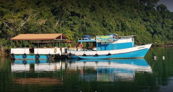 barco-bar-paraty