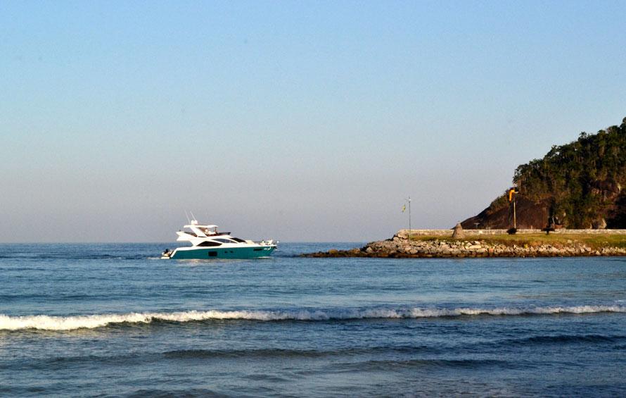 praia-laranjeiras-390