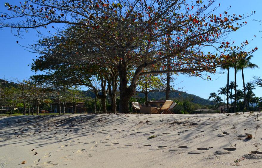 praia-laranjeiras-690