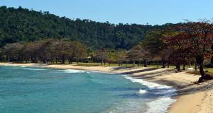 praia-laranjeiras-pol