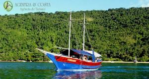 passeio-barco-paraty-pol50
